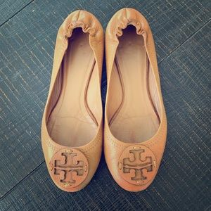 Tory Burch Minnie Sz 7 Tan Flats
